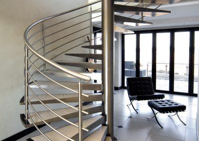 inox kruzne stepenice